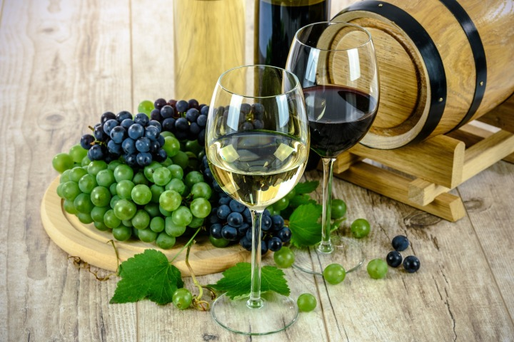 Rustic Guest Julie Stock -Vines, Wine andRomance